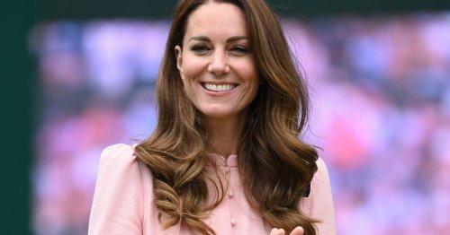 Herzogin Kate: Für ihre Signature-Frisur mit leichten Wellen schwört sie auf dieses Haarspray!