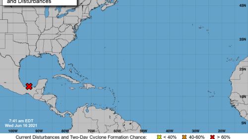 Sistema tropical arrojaría fuertes lluvias en el noroeste de Florida