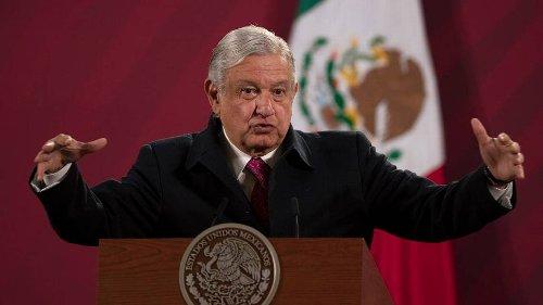 Casas de narcos y un palco en el estadio azteca: los premios de la Lotería Nacional en México