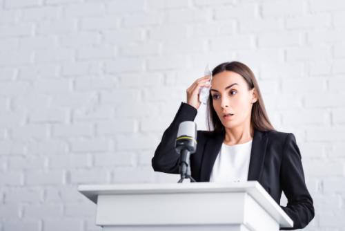 Los miedos más comunes al hablar en público y cómo superarlos
