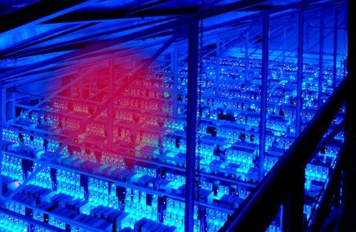 La lucha geopolítica por controlar los servidores que sostienen internet