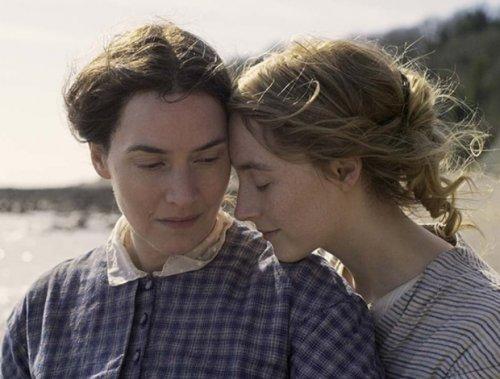 «El flirteo más triste del mundo»: la invasión y nueva obsesión por las películas de lesbianas de época
