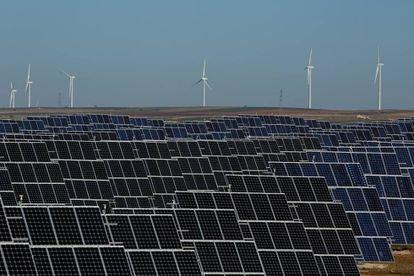 España estrena este martes el nuevo formato de subastas de renovables con 3.000 MW en venta