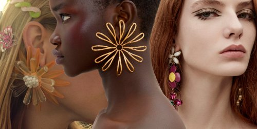 De la primera colección de joyería de Aquazzura al accesorio viral de Jacquemus: los pendientes del momento son de flores XXL