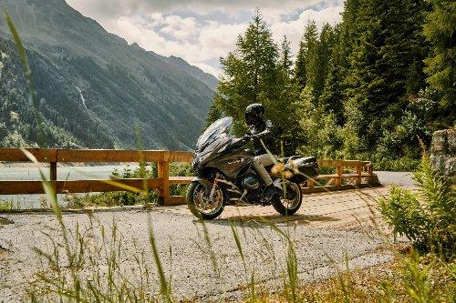 BMW R 1250 RT: una moto grande para viajes grandes   Motos   Motor EL PAÍS