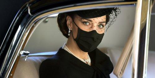 El homenaje de Kate Middleton al duque de Edimburgo y a Diana de Gales: luce por segunda vez el collar de perlas japonesas de la Reina