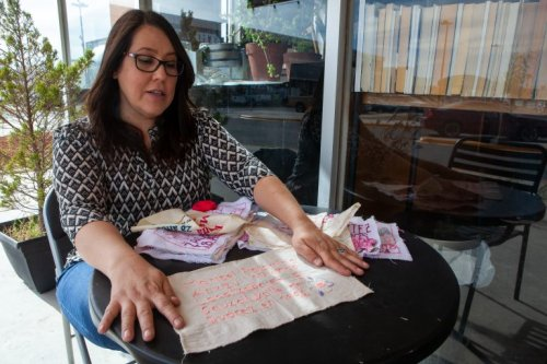 """Juárez """"craftivists"""" use embroidery to preserve the names of femicide victims"""