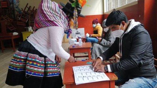 La UE y la OEA avalan el proceso electoral peruano y abren la puerta para la proclamación de Castillo