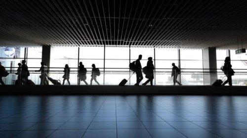 Críticas a Vueling por impedir volar a una mujer por llevar un body