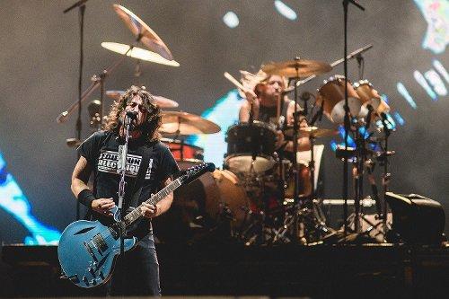 Foo Fighters e Eddie Vedder confirmados em live de incentivo à vacinação mundial