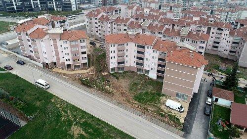 Bursa'da 27 Yıl Önce Yapımına Başlanan 110 Dairelik Site Tamamlanamıyor!