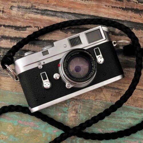 5 Frames… Of mistakes on Kodak T-MAX 100 (35mm Format / EI 100 / Leica M4 + Summicron 5cm f/2) – by Simón Ducos