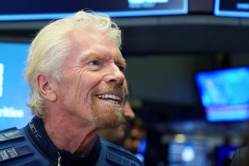 What Isaac Newton and Richard Branson Can Teach You About Overcoming Fear and Getting Started on Your Goals