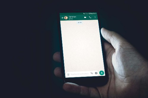 Learn how to open a WhatsApp chat with yourself and enjoy the many advantages