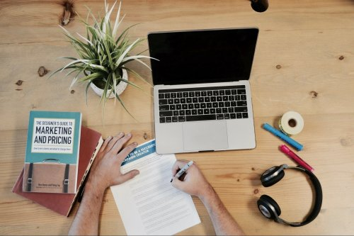 Take a Deep Dive into the Best Digital Marketing Tools for 2022