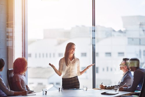 9 Best Practices to Improve Your Communication Skills and Become a More Effective Leader