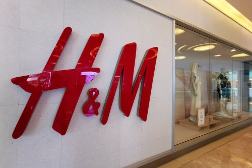 H&M Is Letting Customers Rent Suits for Free for Job Interviews -- Here's What to Expect