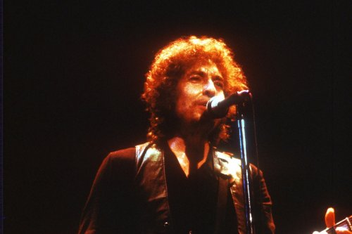 When Bob Dylan Smoked Weed With The Beatles, the Ceiling 'Came Down'