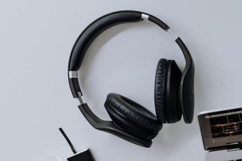 5 Wireless Headphones One Must Buy In 2021
