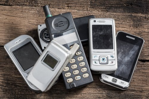 How to Start a Phone-Flipping Business