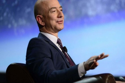 Jeff Bezos Demands 1.7 Million Dollars From His Girlfriend's Brother