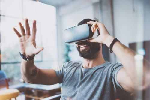 Why Now Is The Time To Start Your Virtual Reality Business