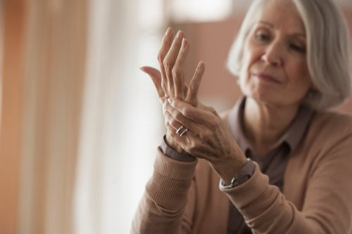 Many Seniors Are In Pain, and the Cannabis Stigma Prevents Them from Getting Relief