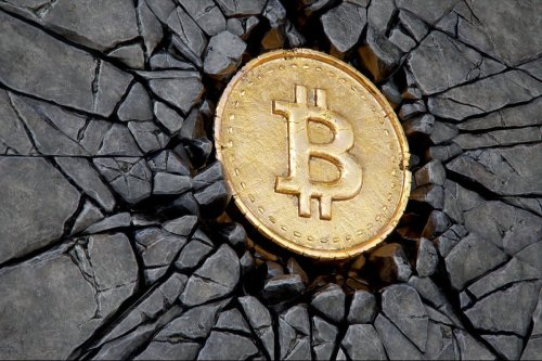Bitcoin plunges more than 11% due to Chinese ban on cryptocurrency mining