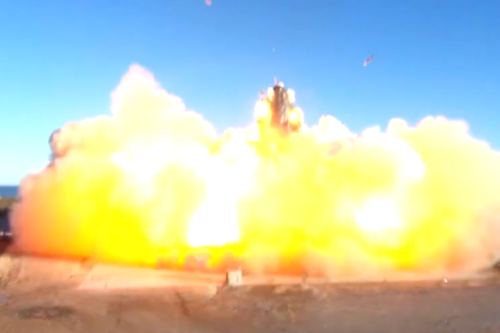 Video: This is how the prototype of the SpaceX spacecraft exploded on a landing.