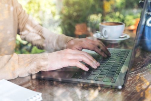 10 Best Practices To Turn Your Blogging Passion Into A Money-Making Business