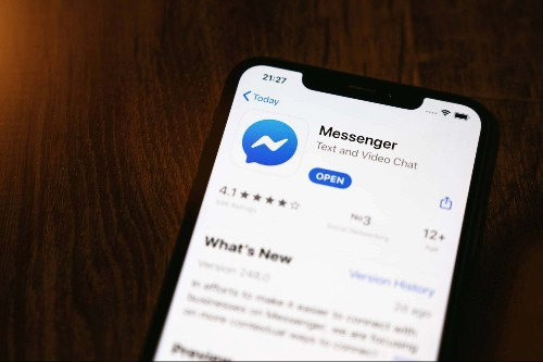 This is why you should stop using Facebook Messenger, according to an expert