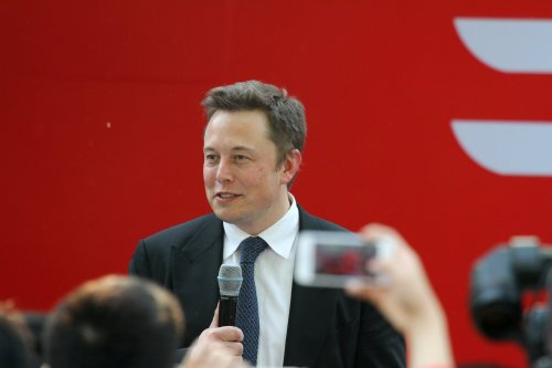 Apple is criticized by Elon Musk because of the large amount of cobalt they use
