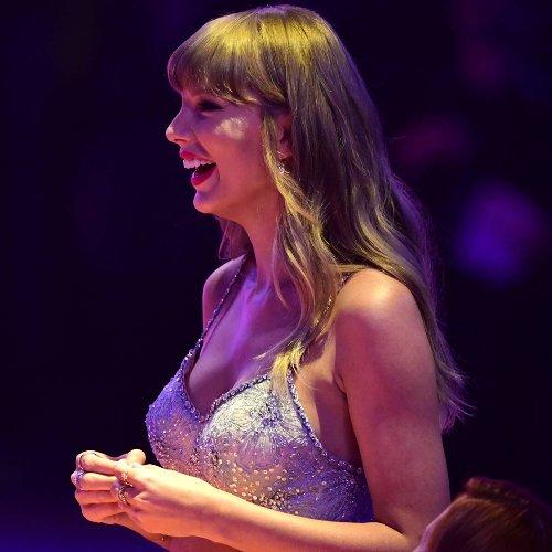 Taylor Swift Makes History at the 2021 BRITs With Global Icon Award
