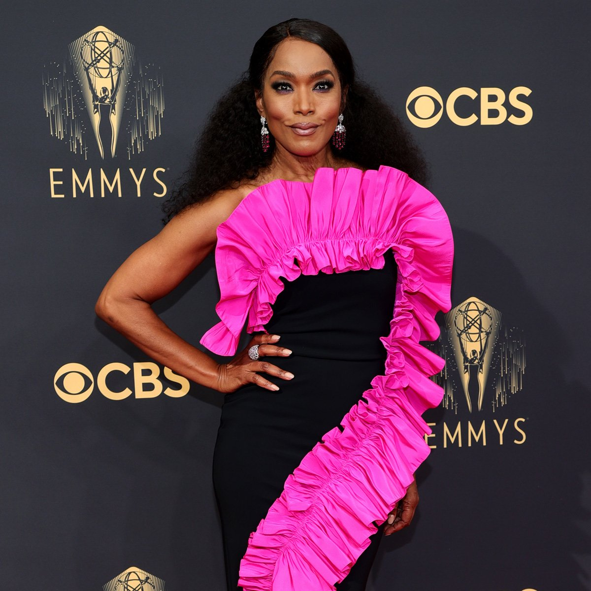 Angela Bassett Brings the Wow Factor to the 2021 Emmys With Electrifying Look