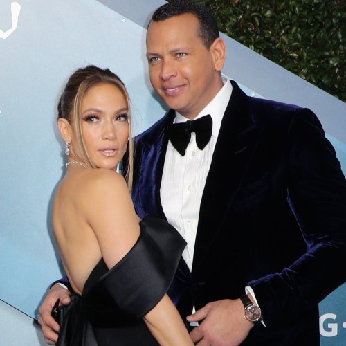 Jennifer Lopez Likes Powerful Quote on Relationships After Alex Rodriguez Breakup