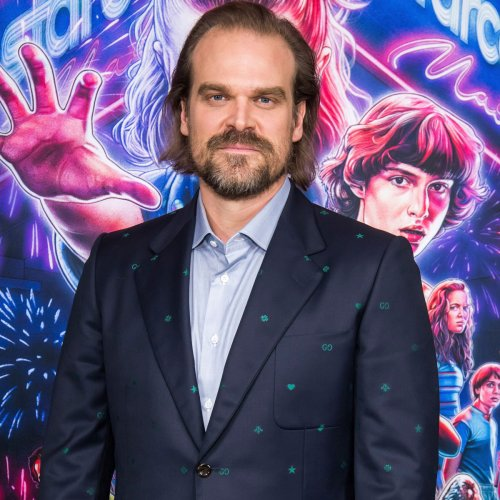 You Need to See David Harbour's Jaw-Dropping Transformation For New Netflix Movie