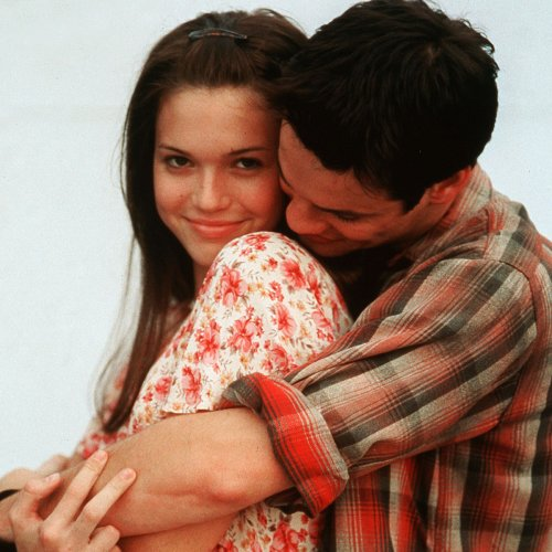 You'll Always Remember These 15 Sweet Facts About A Walk to Remember