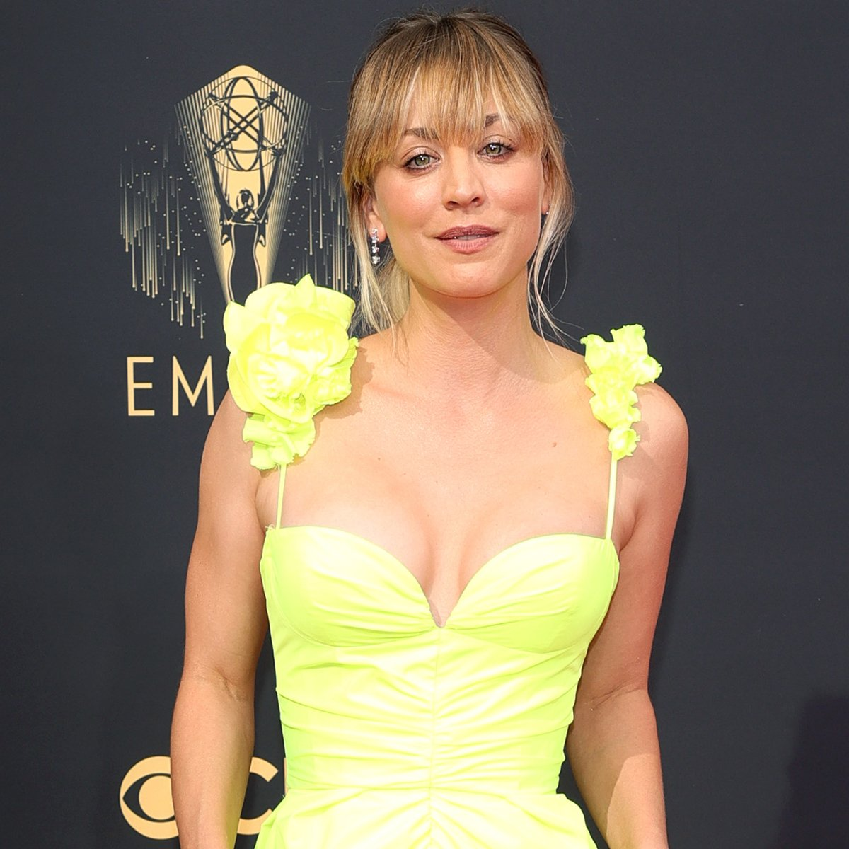 You'll Be Flying High After Seeing Kaley Cuoco's Neon Emmys Look