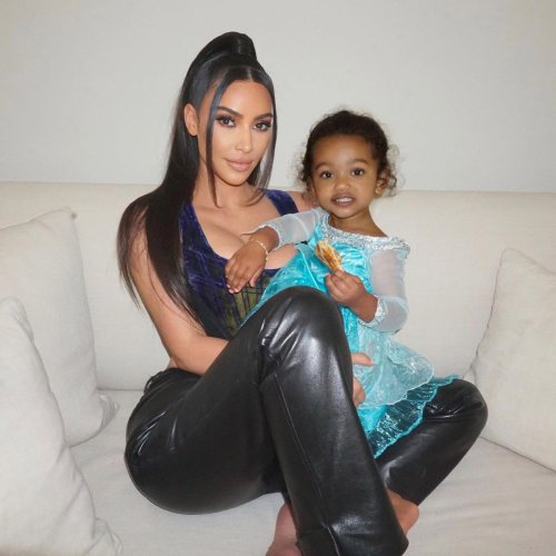 """Kim Kardashian's New Photos of """"Triplets"""" Chicago, True and Stormi Are Ridiculously Sweet"""
