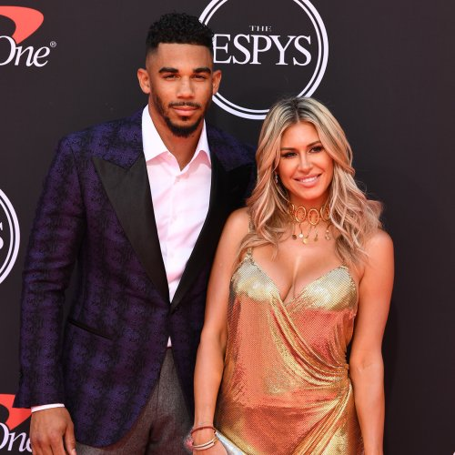 NHL Star Evander Kane Denies Wife's Allegations That He Bet on His Own Games