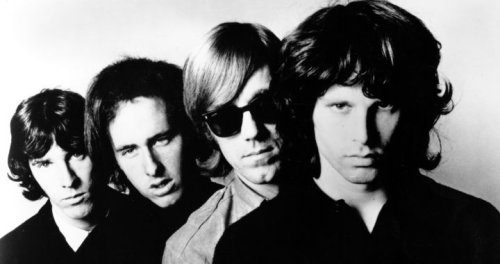 """En la noche más salvaje de The Doors, Jim Morrison preguntó al público: """"¿Queréis ver mis genitales?"""""""