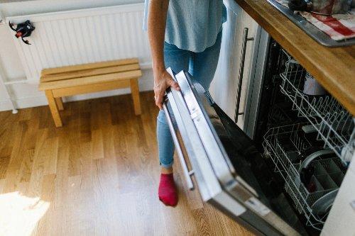 Tareas domésticas: descubre una opción oculta en su lavavajillas y su vídeo se hace viral