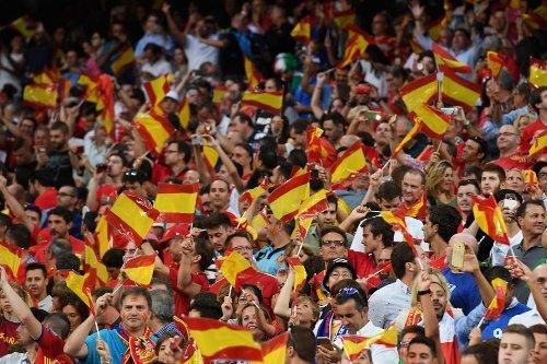 Los aficionados podrían ser multados con más de 1000€ por enarbolar banderas durante la Eurocopa