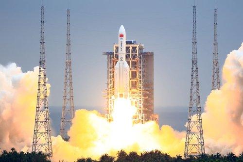 Los restos del cohete chino caen cerca de las Islas Maldivas