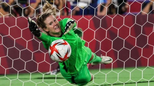 USWNT's Rose Lavelle on Alyssa Naeher's Tokyo 2020 heroics: No one else I'd rather have in the net