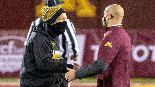 Iowa Hawkeyes use 3 timeouts in final seconds of rout of Minnesota Golden Gophers