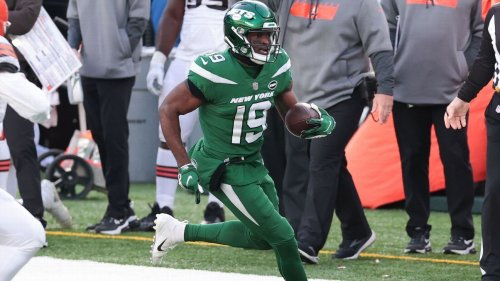 WR Perriman joins Lions, team dad starred for
