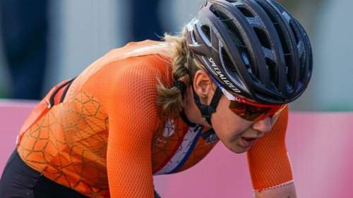 Olympic officials apologize to Dutch team after Anna van der Breggen was pulled from her bike by security during recon of race course