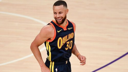 Golden State Warriors' Stephen Curry gets 4-year, $215M NBA extension