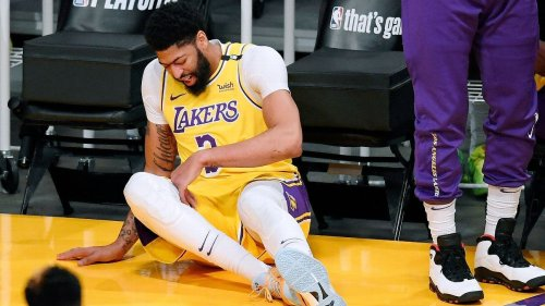 Los Angeles Lakers don't renew contract of head trainer following injury-riddled season, sources say
